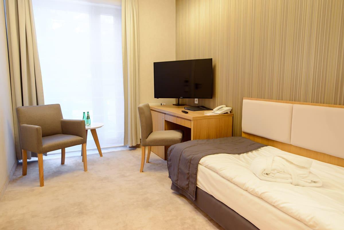 Eva Park room 01