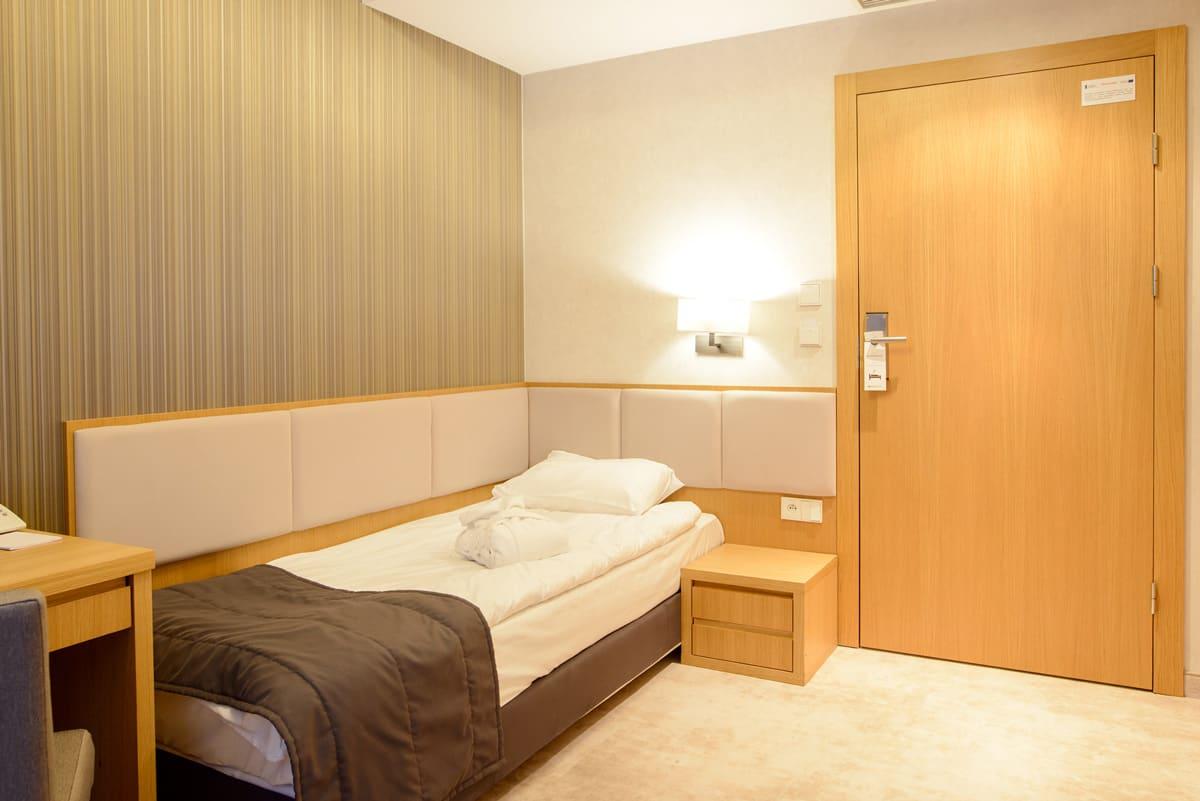 Eva Park room 02