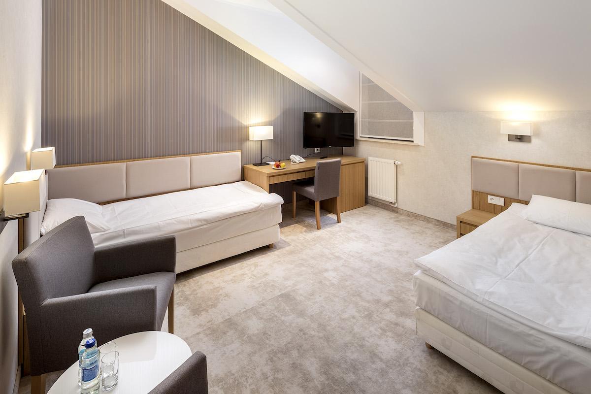 pokoj dwuosobowy twin bed